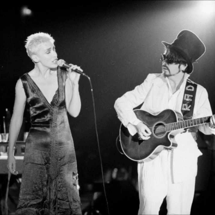 maxresdefault 26 e1574423589371 20 Sweet Facts About Pop Icons Eurythmics