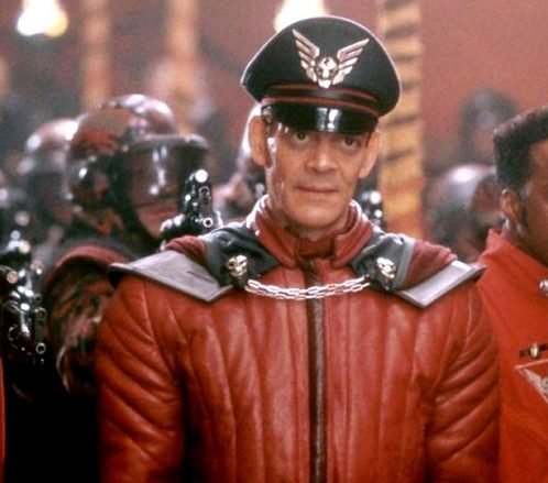 streetfighter raul julia 900x0 c default 1 e1615287552556 20 Things You Might Not Have Realised About The 1994 Street Fighter Movie