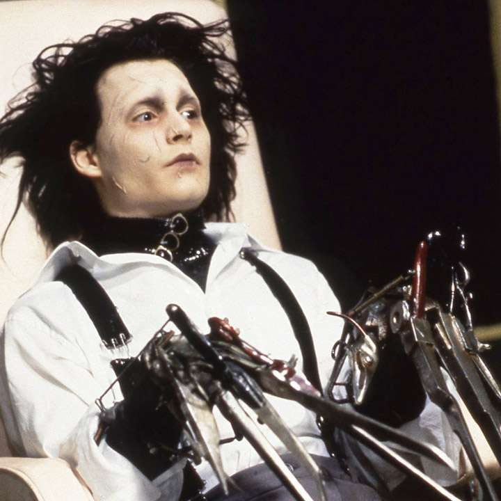 761492 edward scissorhands e1578487269579 20 'Christmas Movies' That Aren't Actually Christmas Movies At All