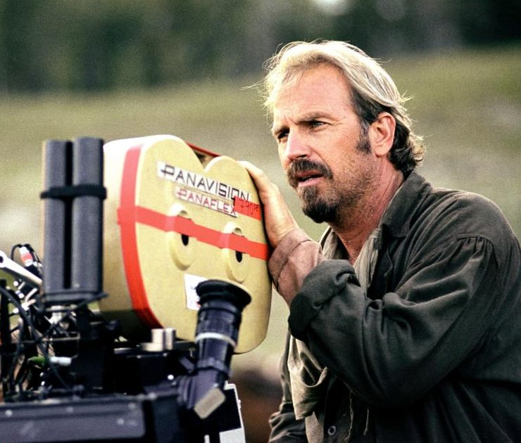 Kevin Costner1 e1612780850484 40 Things You Never Knew About The Disastrous Waterworld