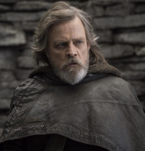 MV5BMjE3NDI5Njc1N15BMl5BanBnXkFtZTgwMzkwMDAyNDM@. V1 20 Reasons Why Star Wars: The Last Jedi Is The Best Film In The Saga So Far
