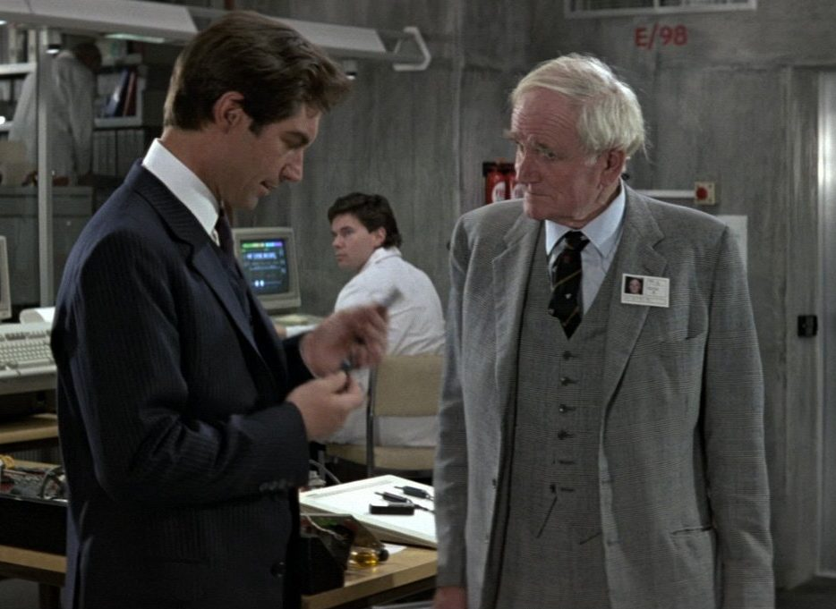 Q Glen Urquhart Check Suit The Living Daylights e1622547188534 20 Reasons Why Timothy Dalton Was Probably The Best James Bond Ever