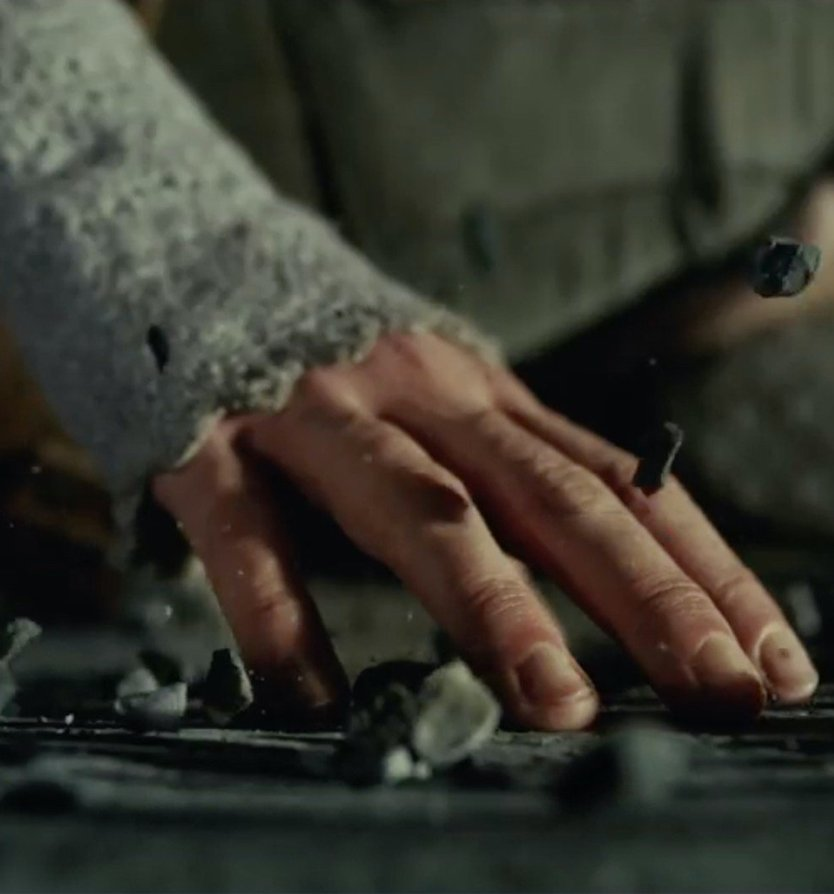 Rey levitating rocks 20 Reasons Why Star Wars: The Last Jedi Is The Best Film In The Saga So Far