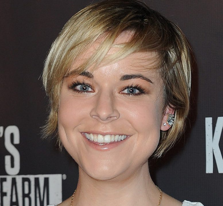 Tina Majorino e1612800243272 40 Things You Never Knew About The Disastrous Waterworld