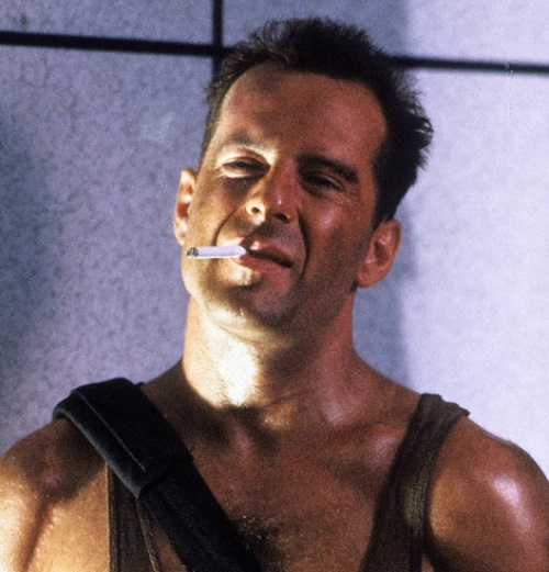 die hard director bruce willis roof jump 20 Classic Movie Moments That Were Completely Improvised