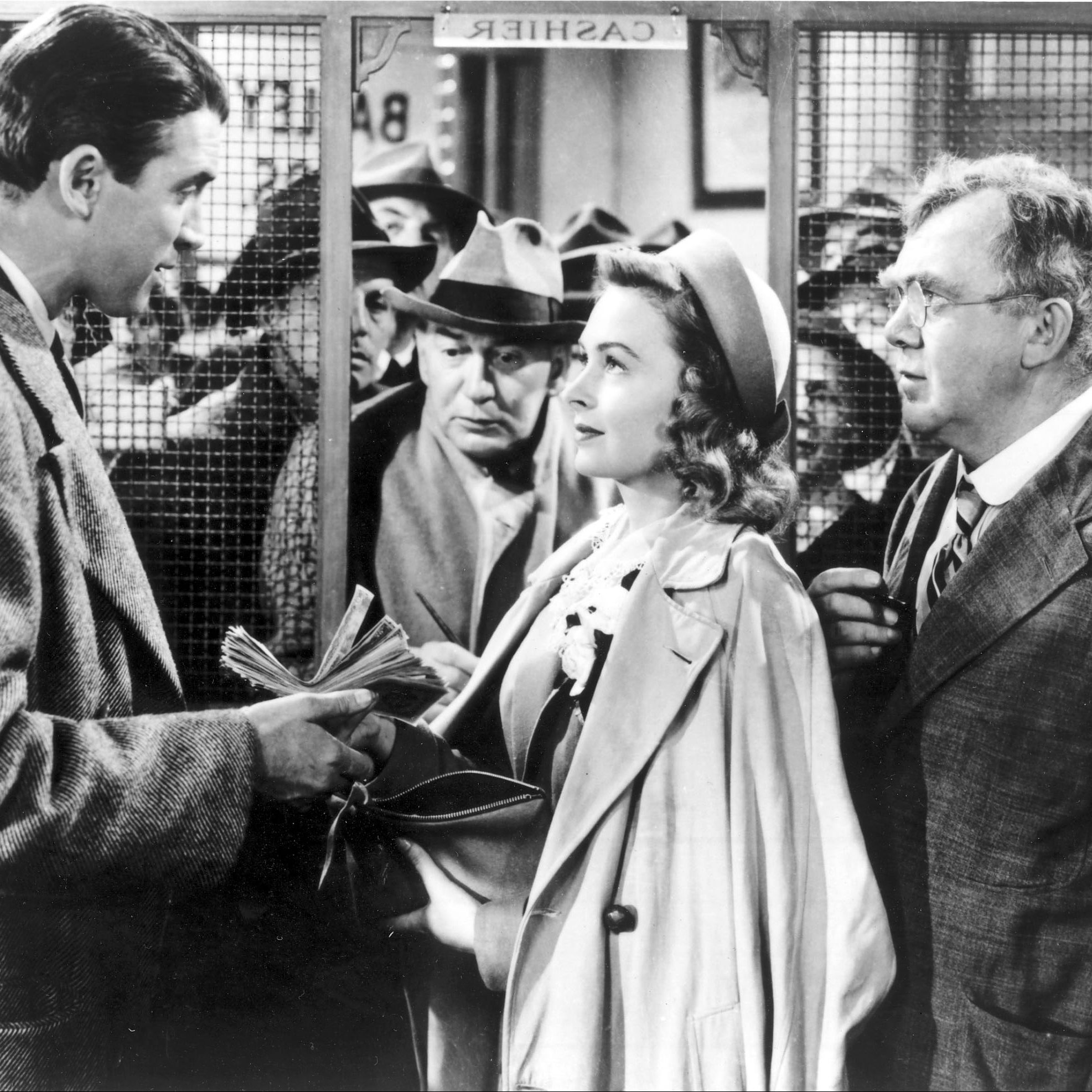 its a wonderful life 1946 4 e1578482861284 20 'Christmas Movies' That Aren't Actually Christmas Movies At All