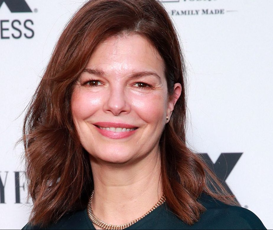 jeanne tripplehorn e1612799481382 40 Things You Never Knew About The Disastrous Waterworld