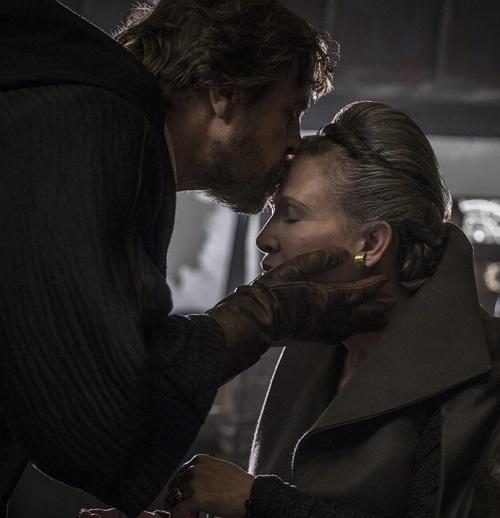 luke leia tlj tall 20 Reasons Why Star Wars: The Last Jedi Is The Best Film In The Saga So Far