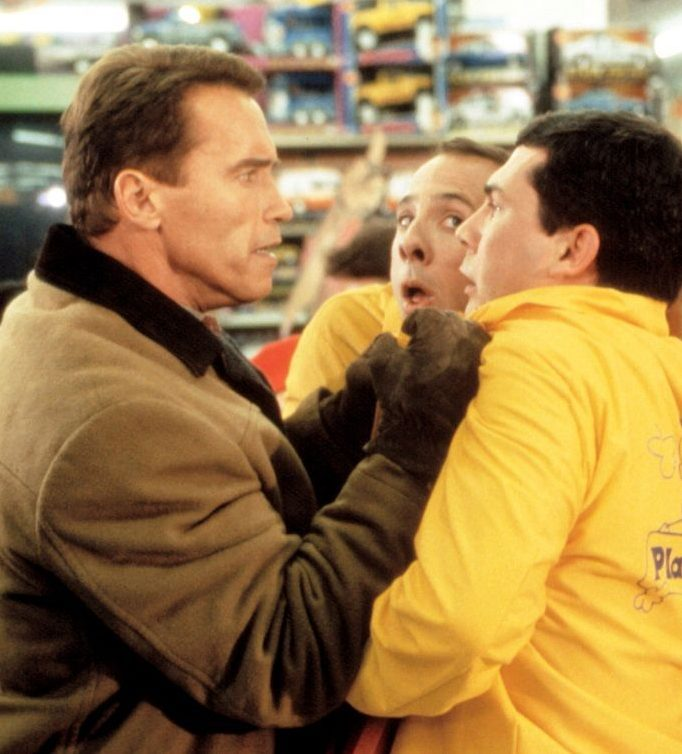 msdjial fe009 e1581002550211 Put That Cookie Down, NOW, And Read These 20 Facts About Jingle All The Way