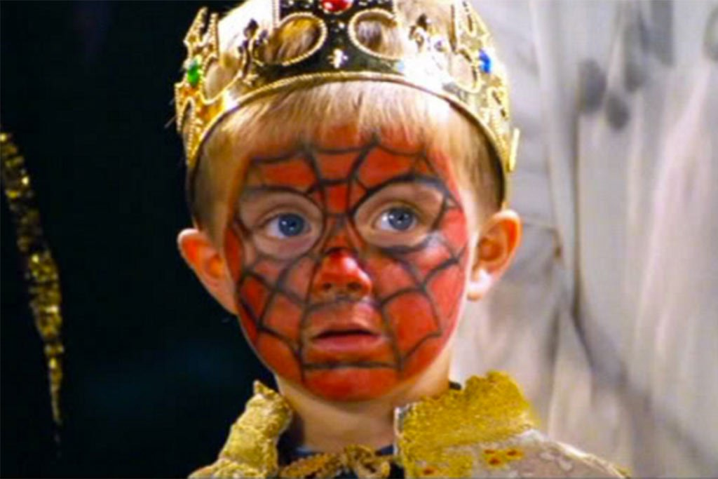 spider 20 Bizarre British Christmas Traditions That Confuse The Rest of The World