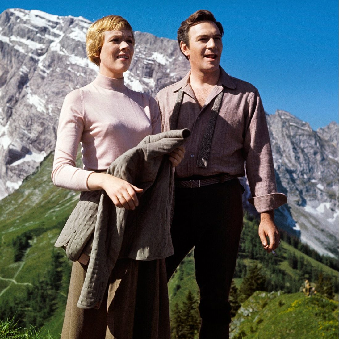 ss01 sound of music vf e1578412138994 20 'Christmas Movies' That Aren't Actually Christmas Movies At All