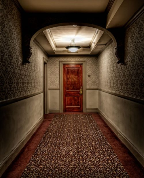 10 2 5 e1579781168533 20 Horror Movies That Were Inspired By Spooky Real-Life Locations