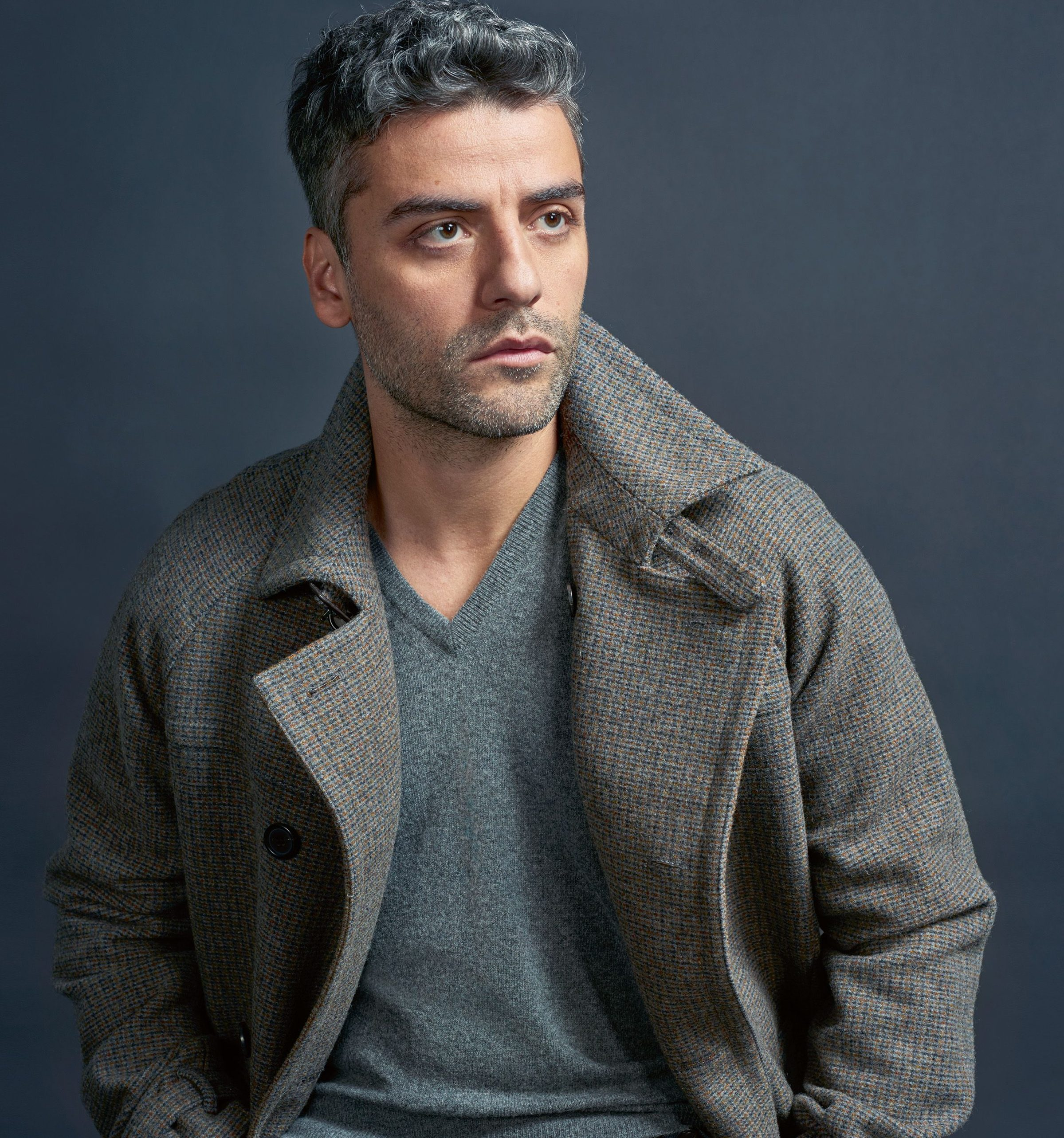 1510676380 oscar issac esquire interview main e1580133889102 20 Actors Who Would Kill It As The Next James Bond
