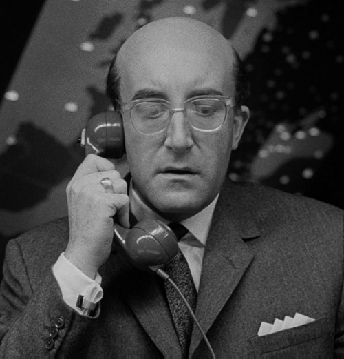 Dr Strangelove 3 1 20 Hilarious Comedies That Tackled Completely Unfunny Subjects