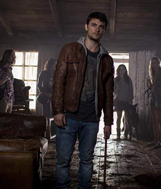 EvilDead 5145200 evil dead 2013. V381223959 SX1080 10 All-Time Great Horror Remakes (And 10 That Were Awful)