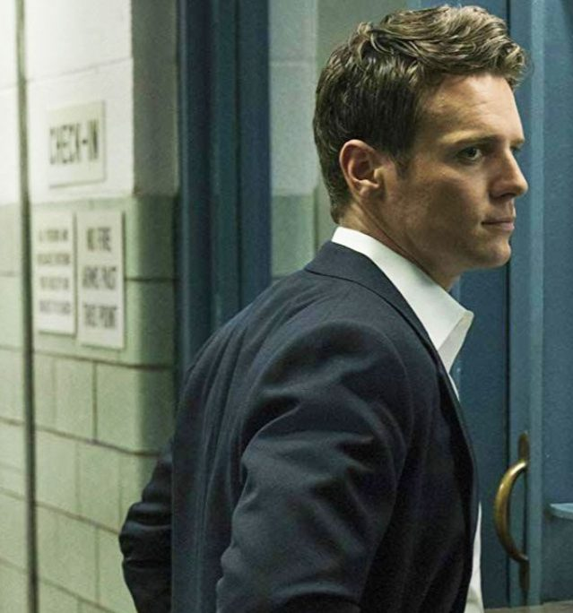 MATRIX 4 ADDS JONATHAN GROFF WB KEANU REEVES FROZEN MINDHUNTER e1580128812967 20 Actors Who Would Kill It As The Next James Bond
