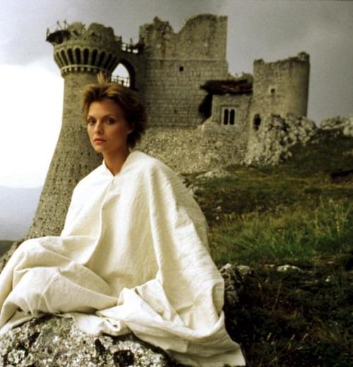 MV5BMzAzMjA1ZWYtNDFhNS00NjFlLThjODUtMmU3Y2JlZTIwMzU5XkEyXkFqcGdeQXVyMjUyNDk2ODc@. V1 20 Fantastic Facts About The 1985 Sword And Sorcery Film Ladyhawke
