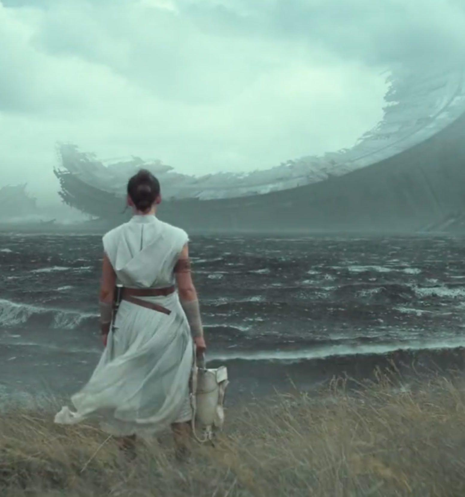 Star Wars The Rise of Skywalker deathstar 20 Reasons Why Star Wars: The Rise Of Skywalker Makes Absolutely No Sense