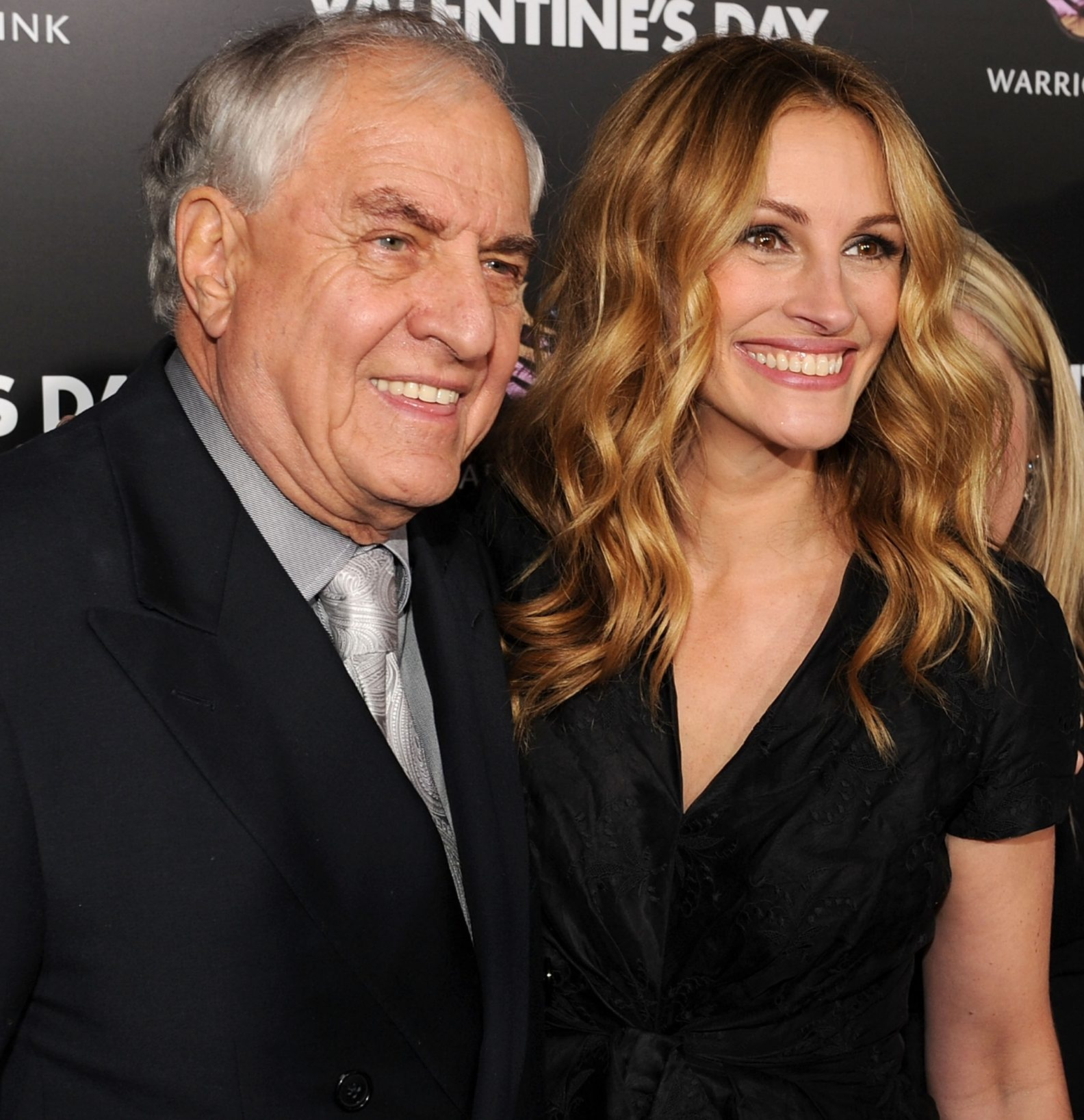 garry marshall julia roberts e1580900188426 20 Warm And Romantic Facts About Sleepless In Seattle