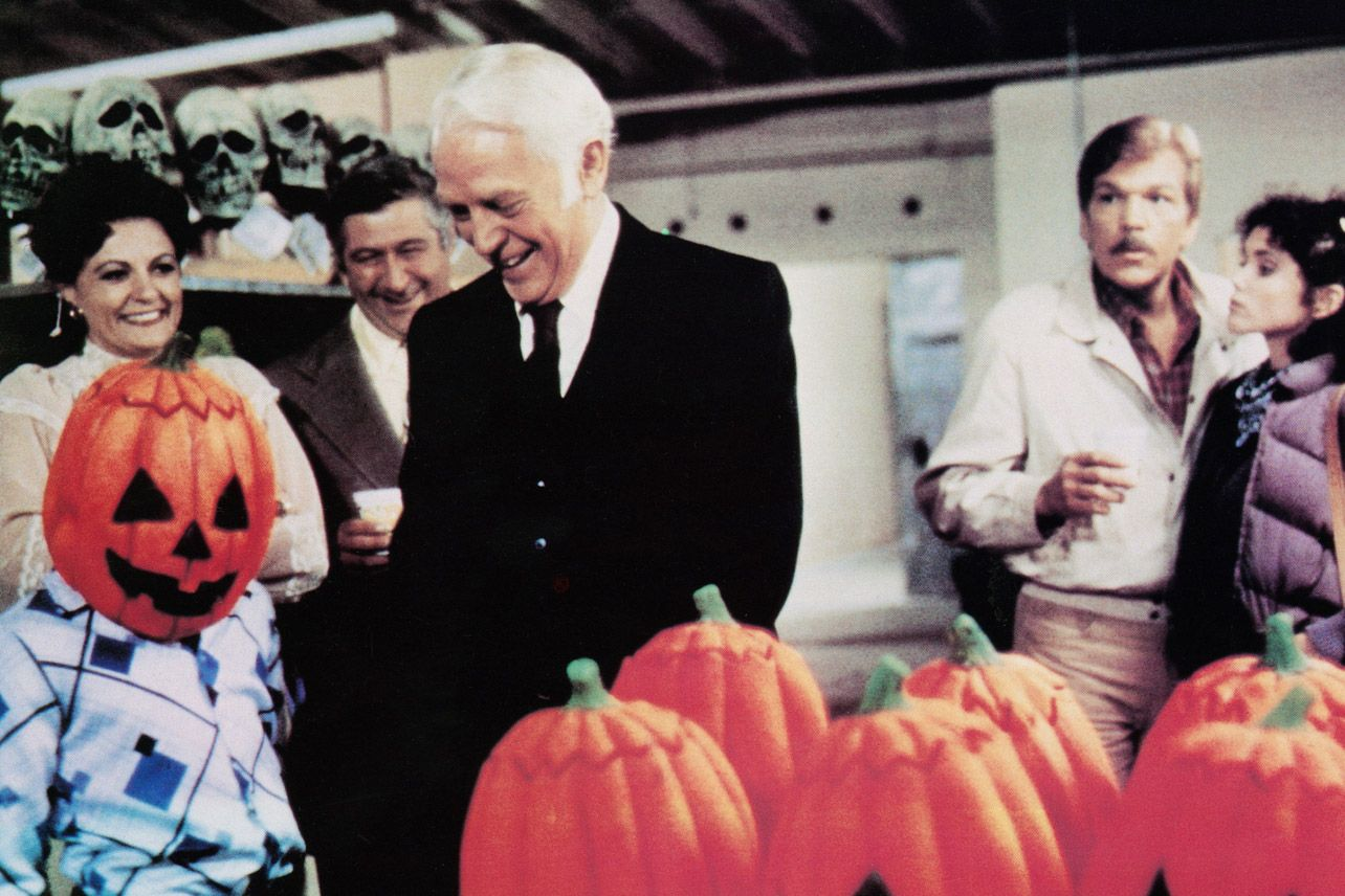 halloween iii season of the witch These Are The Weirdest Horror Movie Franchise Instalments Of All Time