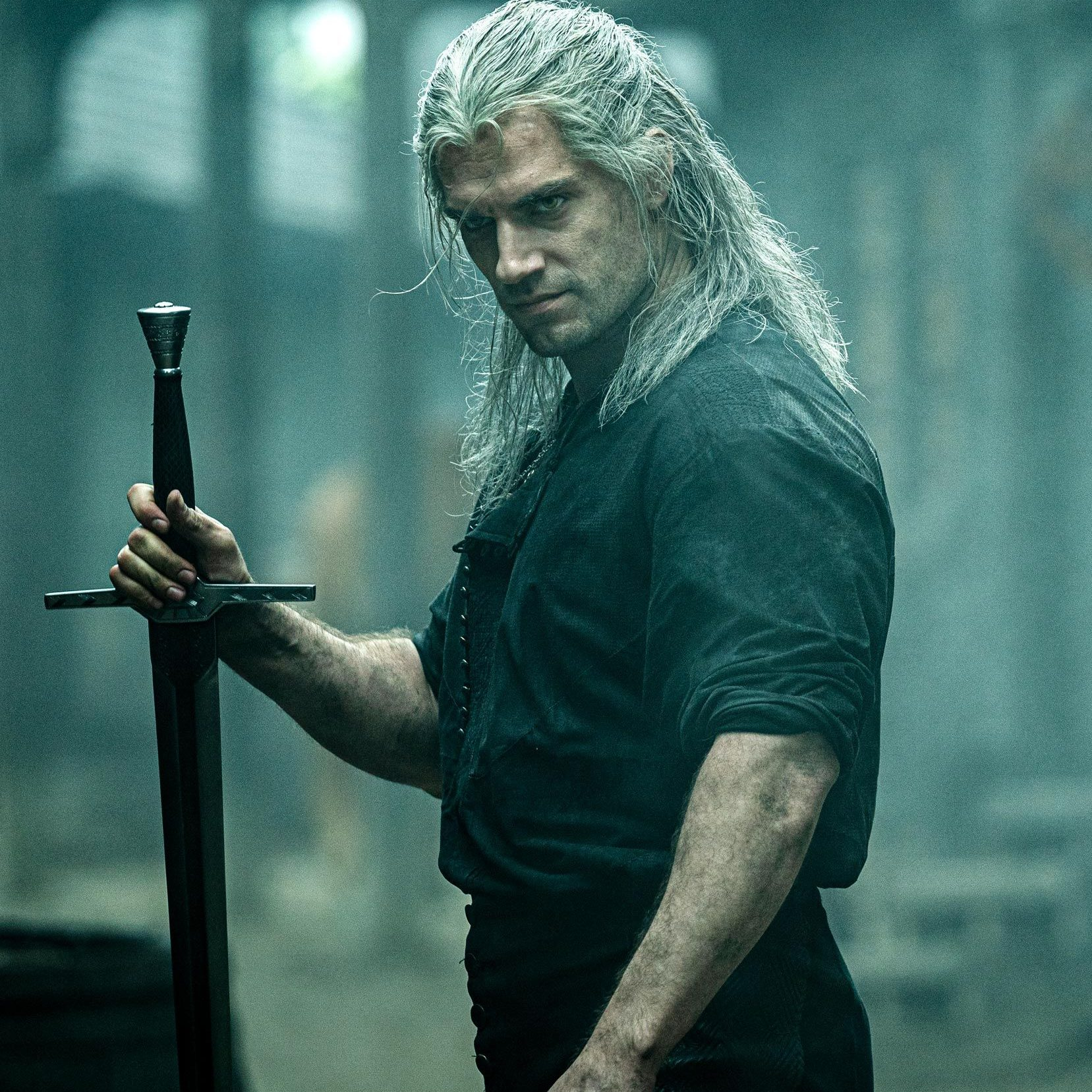 henry cavill the witcher 1572539126 e1580128082149 20 Actors Who Would Kill It As The Next James Bond