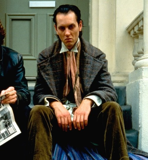 withnail i 1986 046 paul mcgann richard e grant door steps bfi 00m z0e 1000x750 1 20 Adventurous Facts About The Last Of The Mohicans