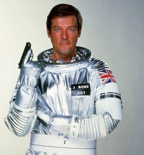 1446639653 movies moonraker roger moore 1979 e1582727917360 11 Of The Best James Bond Movies (And 10 Of The Worst)