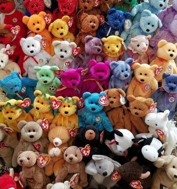 59 ty beanie babies buddies 90s 1 b7c297e389f26da9ea19a1d19d436911 e1581686622433 20 Celebrities With Surprising Hobbies