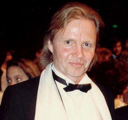 Jon Voight 1988 cropped e1616663727717 20 Fascinating Facts About Angelina Jolie