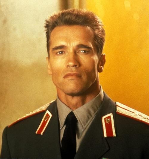 "MV5BMTUzMDEyMjgyMl5BMl5BanBnXkFtZTcwOTk5ODkwNQ@@. V1 SY1000 CR0014971000 AL 20 Best Arnold Schwarzenegger One-Liners That Aren't ""I'll Be Back"""