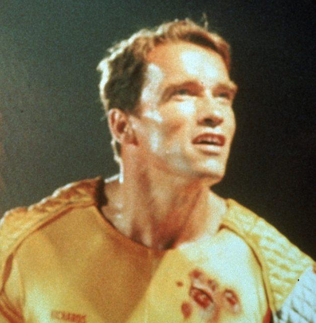 """MV5BMzBkYjcxM2UtMTYxYy00Yjc0LThlMGQtMzNjNWI0YmU5Yzc0XkEyXkFqcGdeQXVyMjUyNDk2ODc@. V1 e1582124139738 20 Best Arnold Schwarzenegger One-Liners That Aren't """"I'll Be Back"""""""