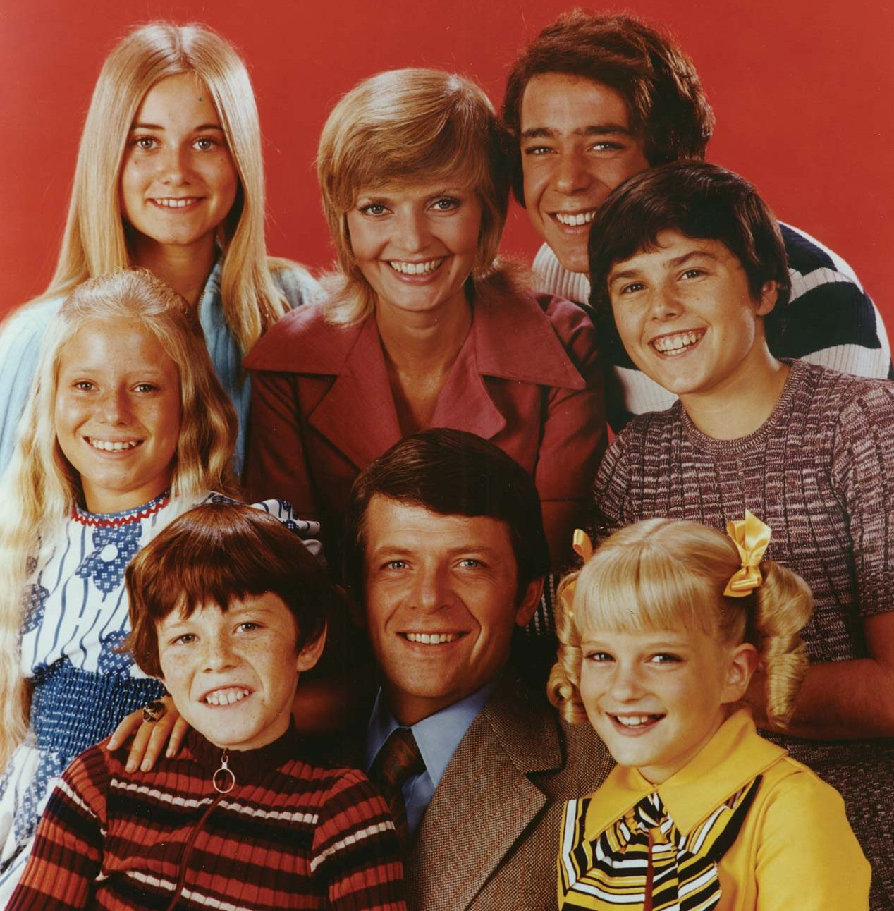 Maureen McCormick Florence Henderson Barry Williams Susan e1582281002972 20 TV-To-Movie Adaptations That Were Nothing Like The Series They Were Based On