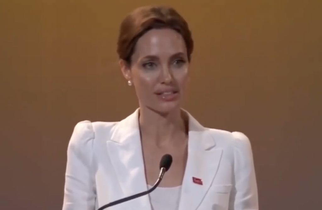 Screenshot 2021 03 25 at 13.46.50 e1616680334504 20 Fascinating Facts About Angelina Jolie