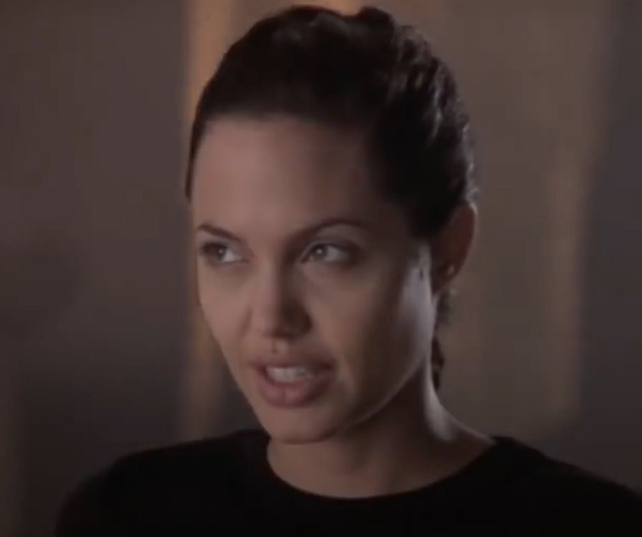 Screenshot 2021 03 25 at 14.38.46 e1616683152687 20 Fascinating Facts About Angelina Jolie