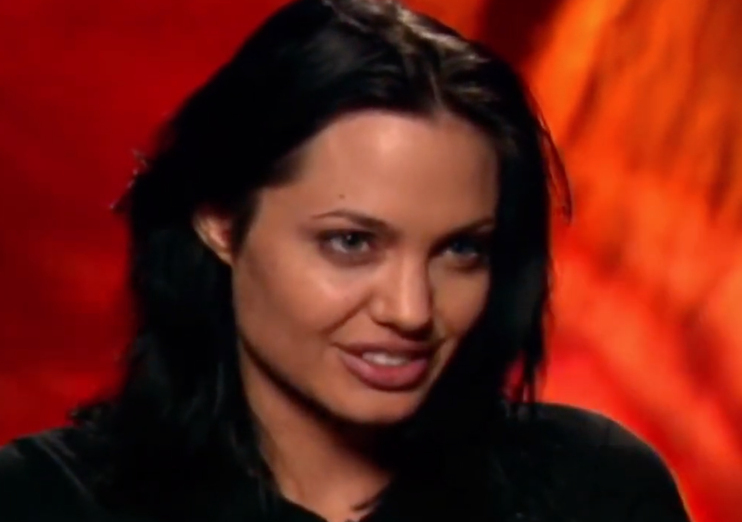 Screenshot 2021 03 25 at 14.41.23 e1616683349334 20 Fascinating Facts About Angelina Jolie