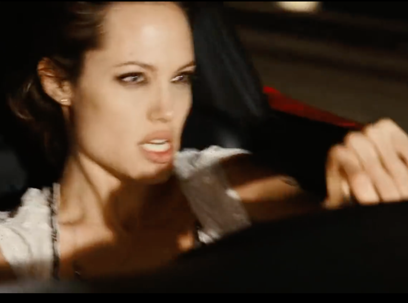 Screenshot 2021 03 25 at 14.45.27 e1616683565935 20 Fascinating Facts About Angelina Jolie