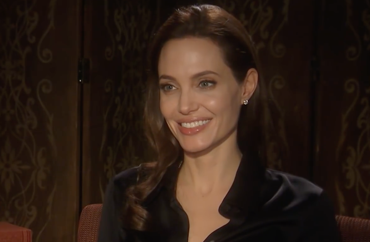 Screenshot 2021 03 25 at 15.38.16 e1616686779651 20 Fascinating Facts About Angelina Jolie