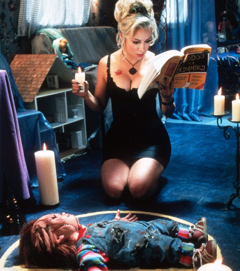 la fiancee de chucky photo jennifer tilly 1003446 e1582199704818 20 Horror Sequels That Are Actually Better Than The Original