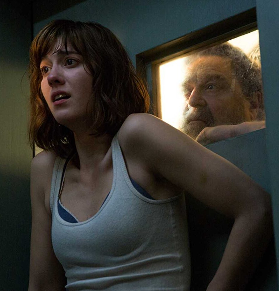 mary elizabeth winstead john gallagher jr 10 cloverfield lane e1583238961968 20 Horror Sequels That Are Actually Better Than The Original