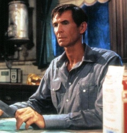 psycho II mary e1555938503272 Have A Stab At These 20 Terrifying Facts About Psycho II