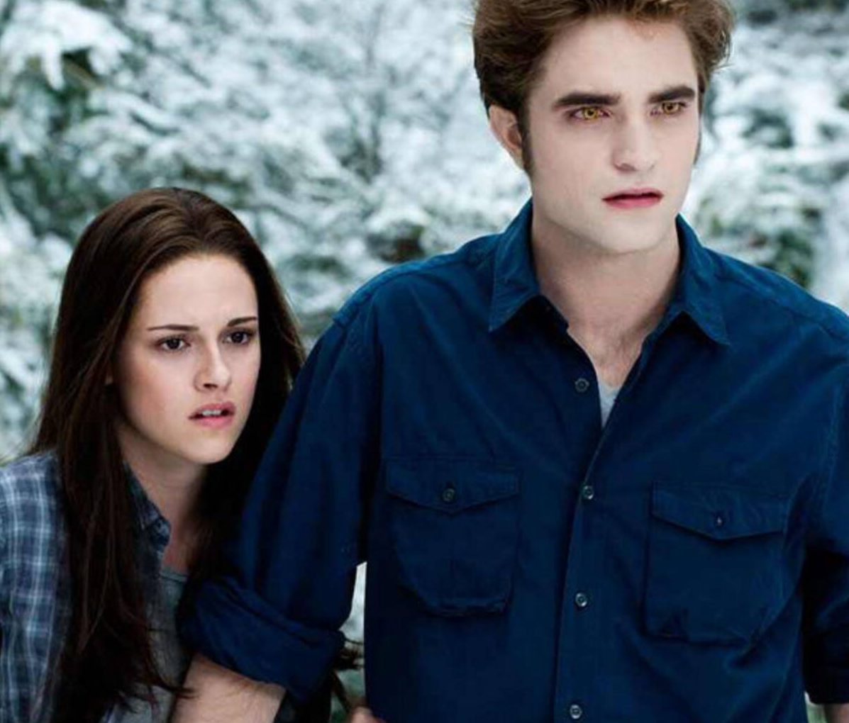 rs 600x600 171113155721 600.twilight bella edward 2.ct .111317 e1597747411214 20 Great Movie Romances That Are Actually Deeply Problematic