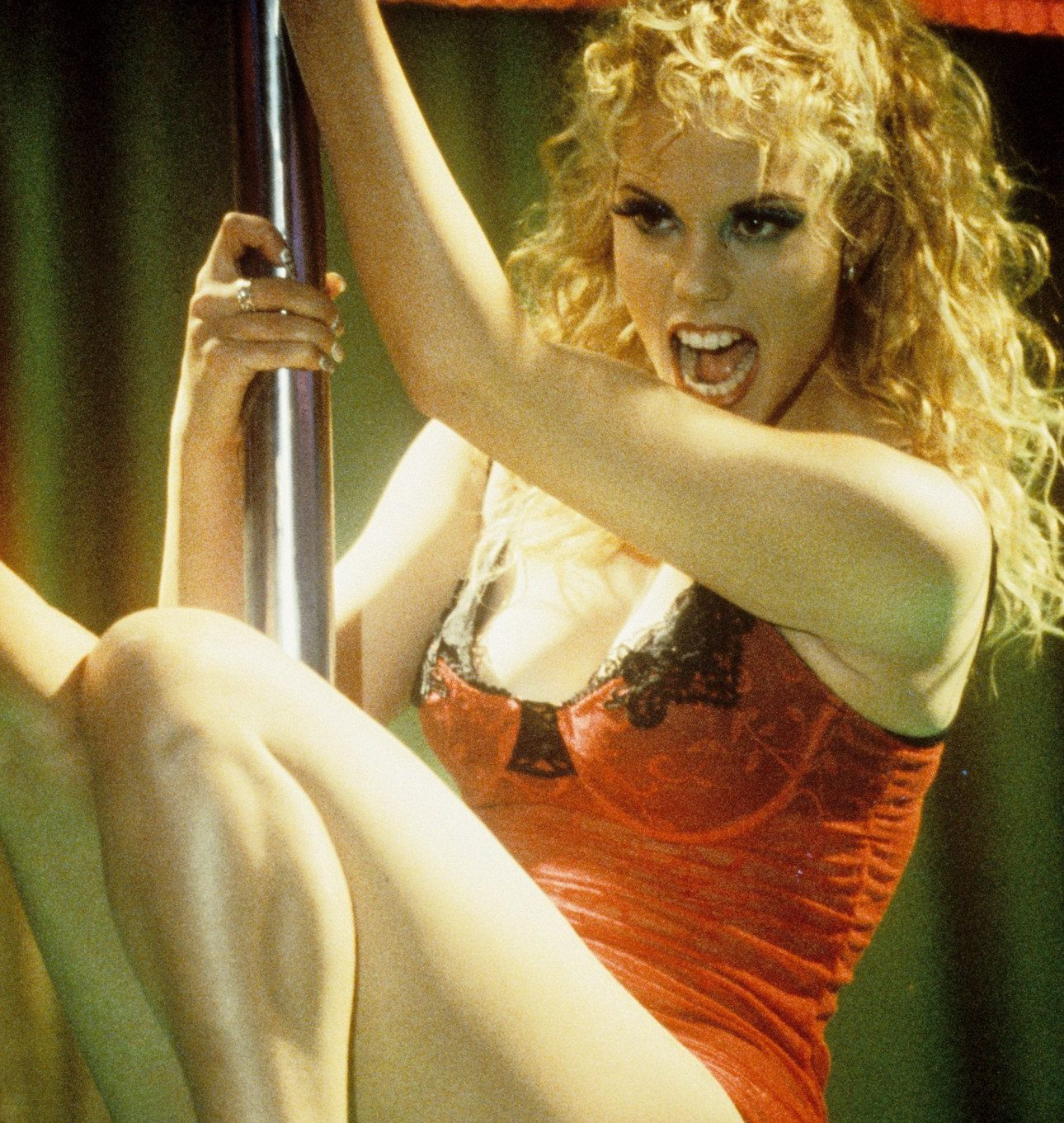 showgirls 1 e1584091073669 20 Actors Whose Careers Were Ruined By Just One Role