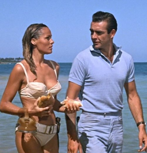 1 19 e1584096624241 20 Classic James Bond Moments That Have Aged Terribly