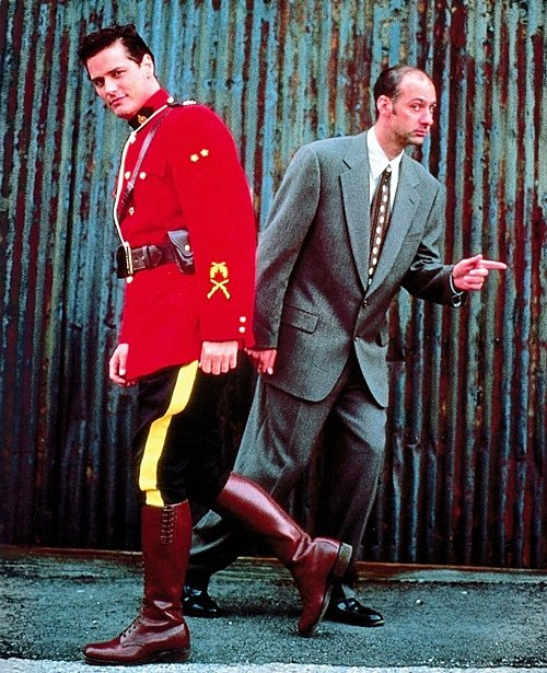 2 16 Remember Due South? Here's What Fraser and Vecchio Look Like Now!