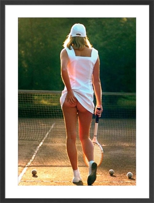 3 19 Remember This Classic Poster? Here's What The Tennis Girl Looks Like Now!