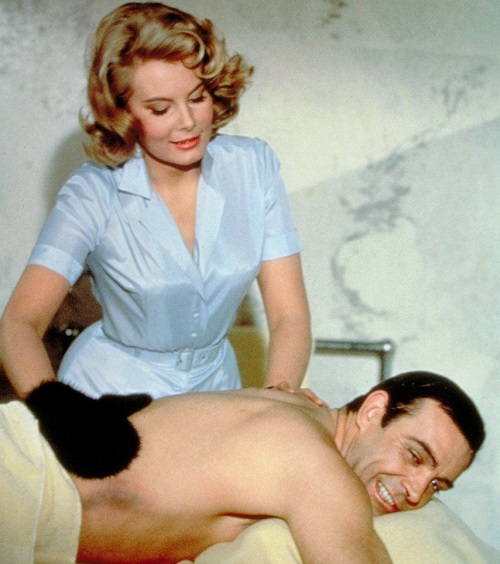 5ffd2a6ed33a465fd88cb15195523c70 20 Classic James Bond Moments That Have Aged Terribly