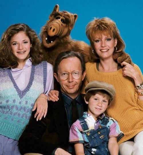 alf cast photo 20 Of The Weirdest TV Crossovers Ever