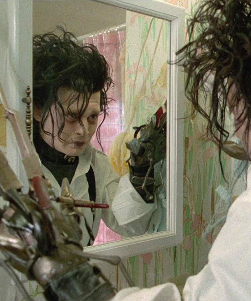 edward 35 e1583153279555 20 Things You Probably Didn't Know About Edward Scissorhands