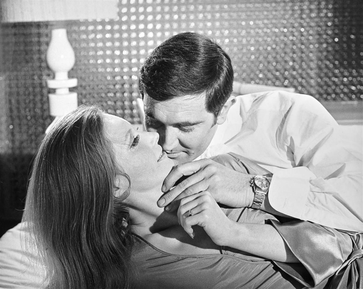 https blogs images.forbes.com elizabethdoerr files 2016 06 On Her Majestys Secret Service George Lazenby 1969 James Bond Rolex Large 1200x957 1 20 Classic James Bond Moments That Have Aged Terribly