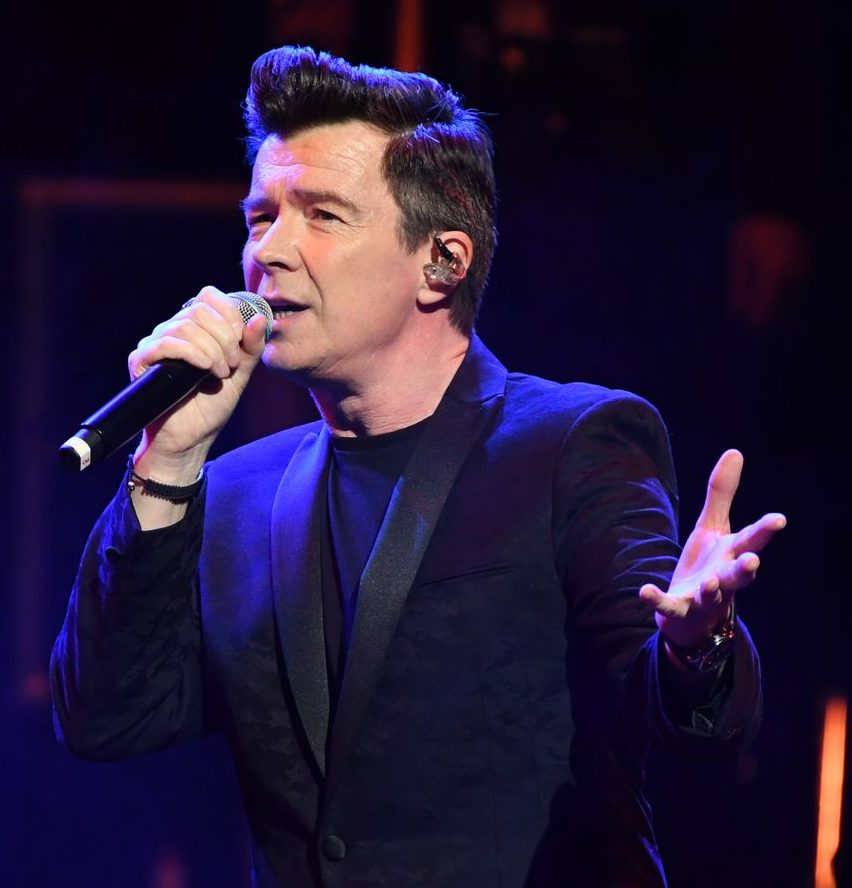 2 JS169357854 e1585729445458 Rick Astley Will Play Free Concert For NHS And Emergency Services Workers